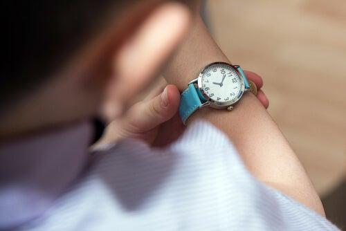¿Por qué enseñar a los niños a ser puntuales?