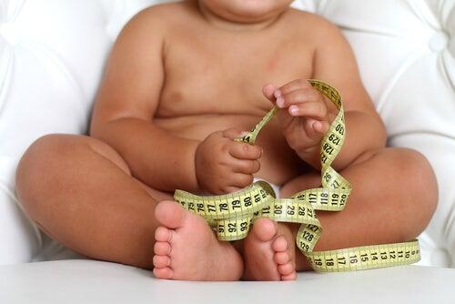 Bebés que nacen con mucho peso