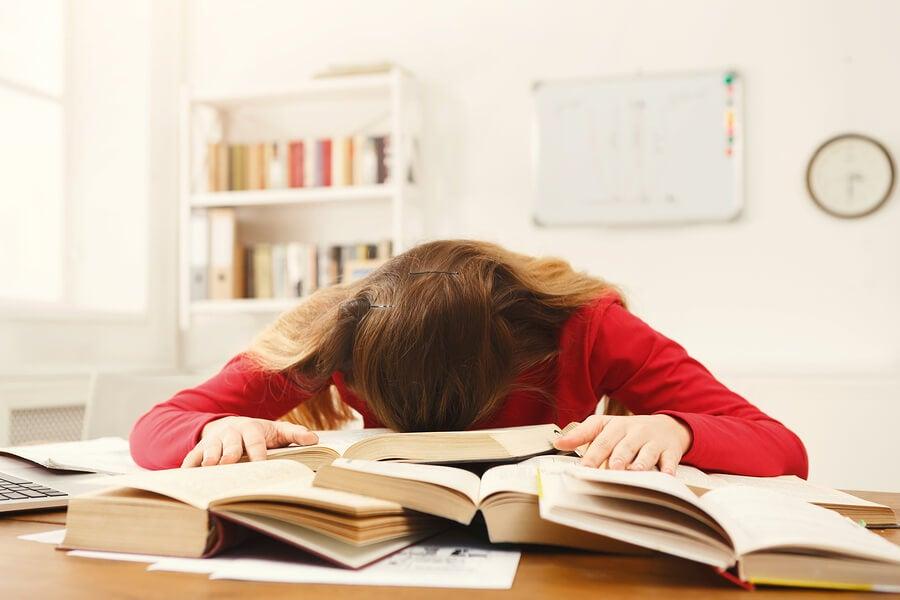 6 consejos para los exámenes finales de tu hijo adolescente.