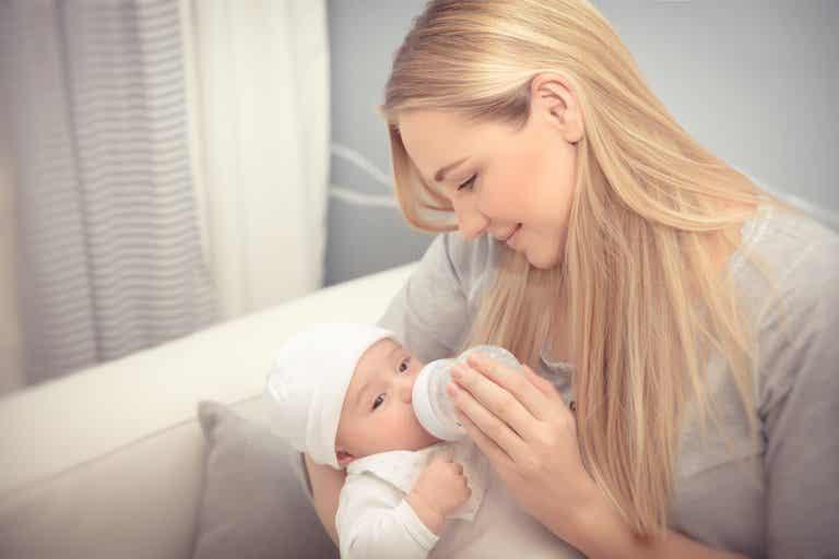 ¿Qué cantidad de leche debe tomar el bebé?