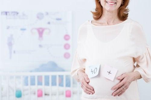 Los embarazos a una edad tardía son una decisión cada vez más frecuente en muchas mujeres.