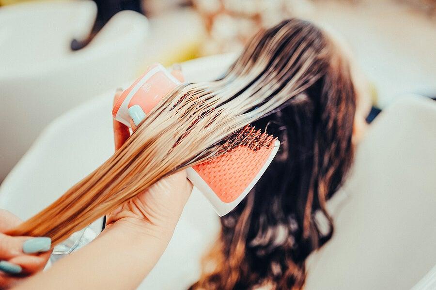 ¿Se puede teñir el pelo durante la lactancia?