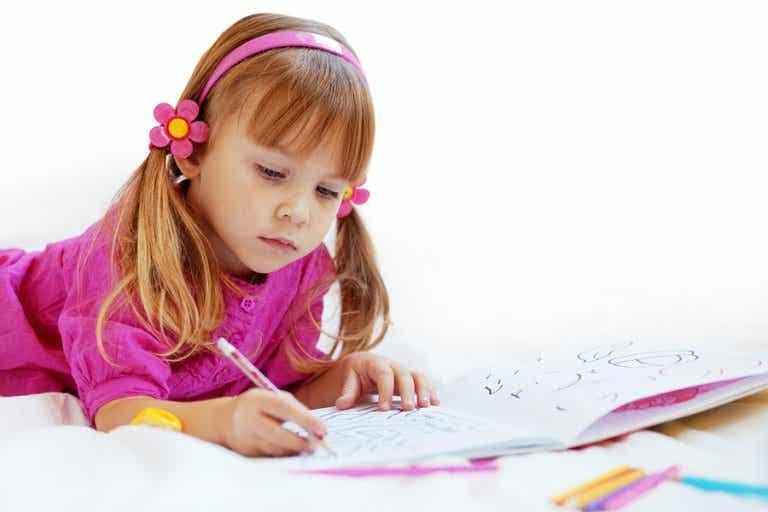 Los beneficios de que los niños aprendan a colorear