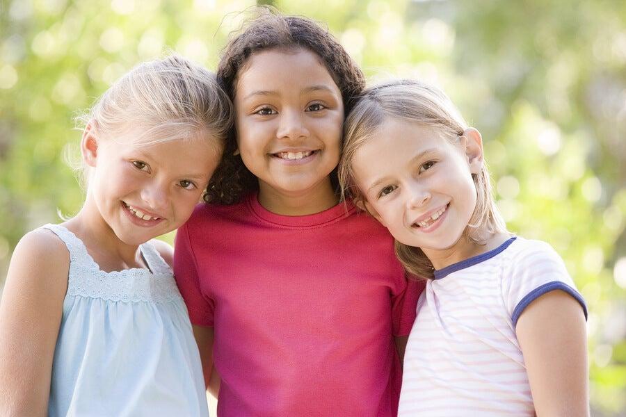 La importancia de enseñar a los niños a no juzgar