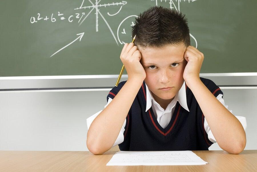 Qué hacer si mi hijo trae malas notas