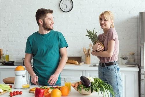La alimentación saludable es un factor fundamental para la fertilidad de la pareja.