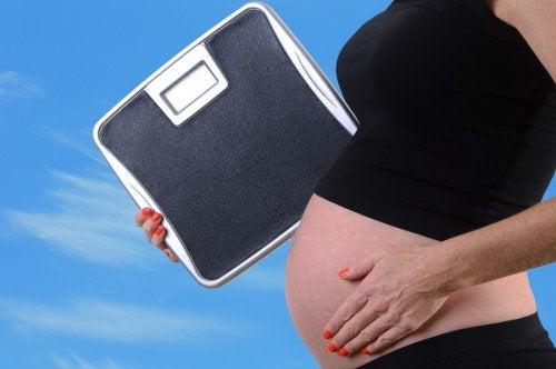 Para poder prevenirla, es importante conocer los riesgos de la obesidad en el embarazo.