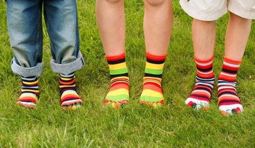 Muchos padres han consultado 'qué debo hacer si mi hijo tiene hongos en los pies'.