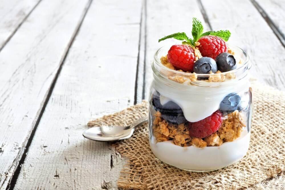 Comer frutas en verano no tiene por qué se aburrido.