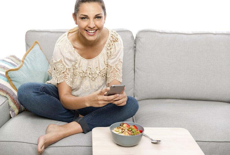 ¿Cómo debe ser una dieta postparto?