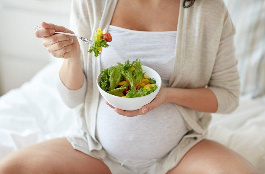 Alimentación durante el embarazo - prevenir estrías