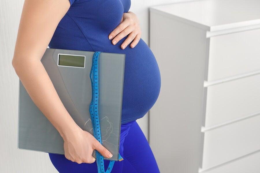 Complicaciones que surgen de engordar de más durante el embarazo