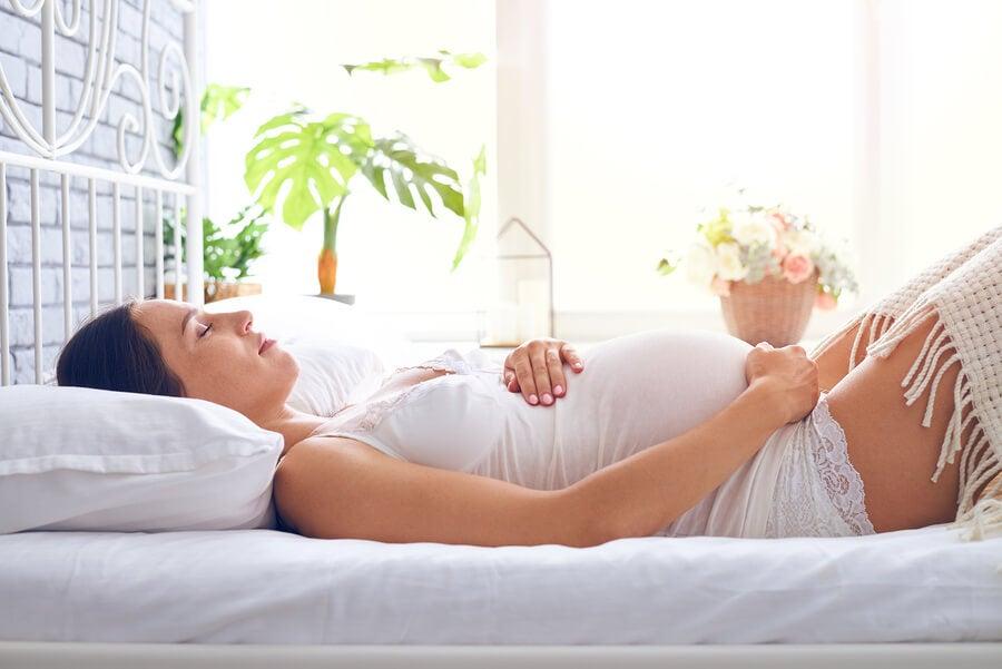 7 consejos para dormir bien en verano si estás embarazada