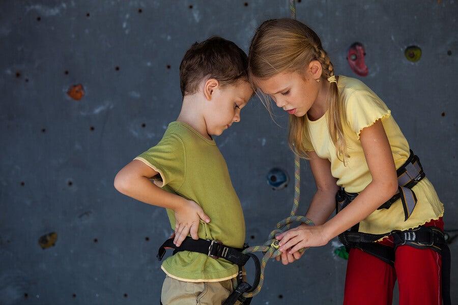 La escalada para niños.