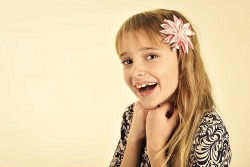 Paraeste tipo de rostro,se recomiendan loscortes de pelo de niña para el verano que suavicen las facciones