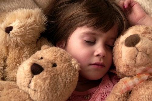 Los peluches son los juguetes preferidos de los niños y, por tanto, tienen un lugar especial en sus corazones.