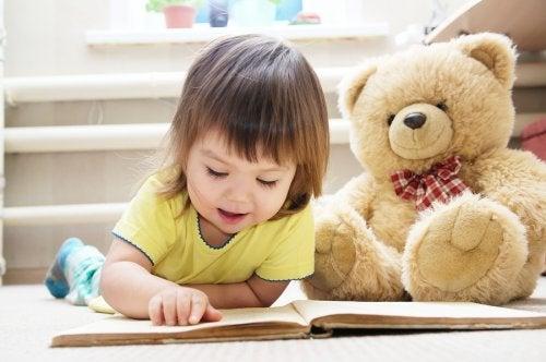 Leer cuentos para niños con osos es una actividad familiar muy enriquecedora y placentera.