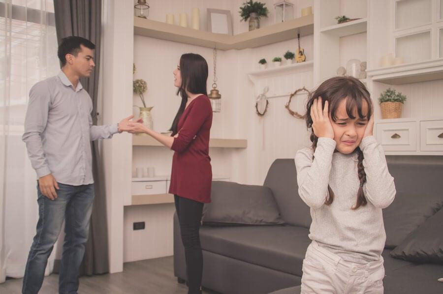 Las discusiones de los padres mejor lejos de los hijos
