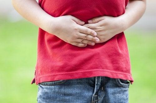 El colon irritable en niños genera en ellos varios síntomas, como la diarrea y los gases.