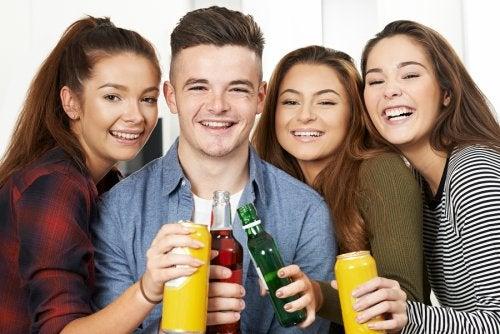 Señales de que tu hijo adolescente bebe alcohol