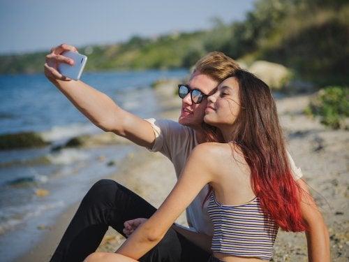 La aparición delos amores de verano en la adolescencia es un período por el que pasan casi todos los jóvenes.