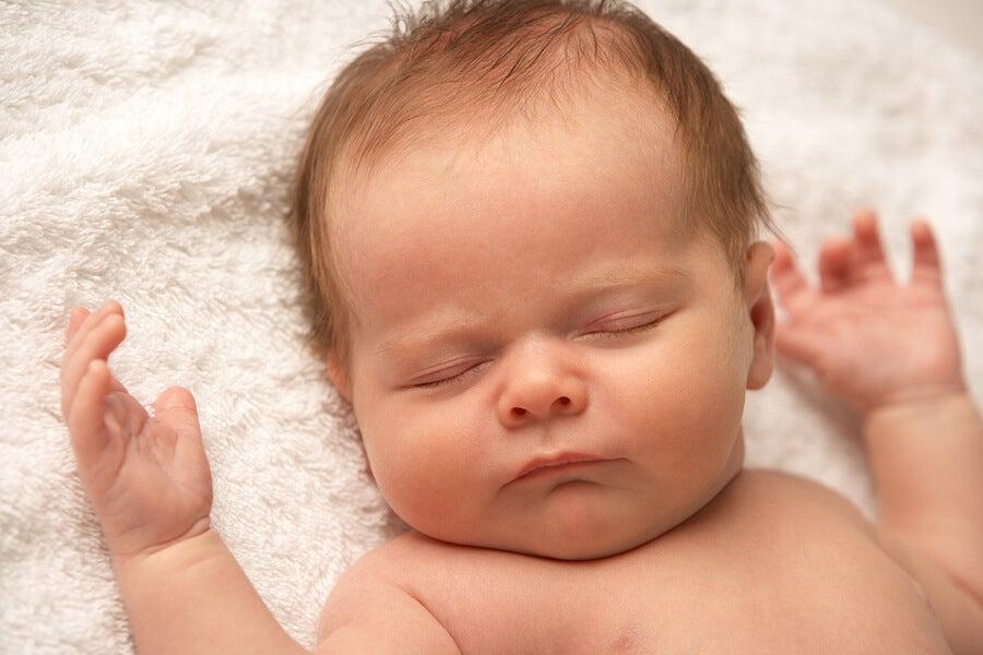 ¿Es normal que mi bebé no llore nunca? Razones y consejos
