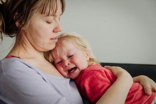 Una consulta repetida por muchos padres: ¿Es bueno o malo dejar llorar al bebé?