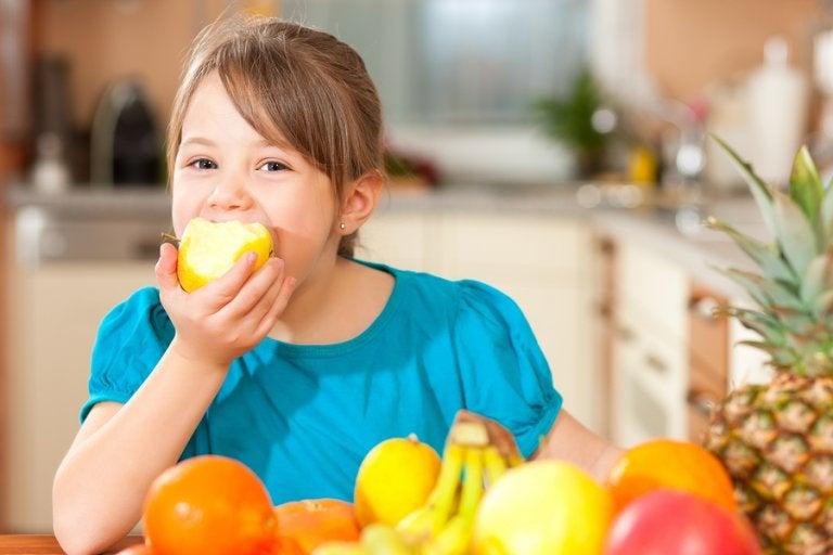 4 consejos para educar a los niños de manera saludable
