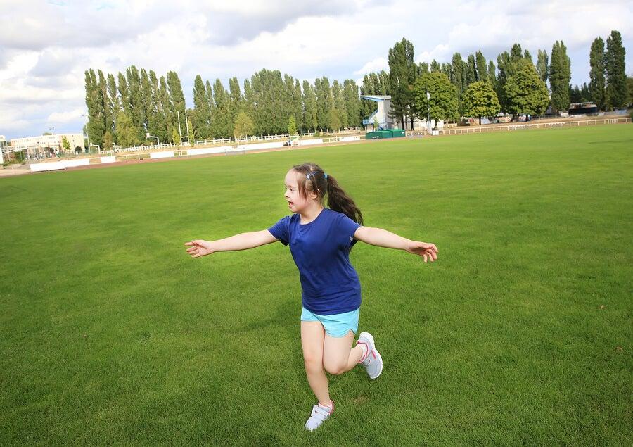 Los beneficios del deporte en verano para niños con discapacidad.