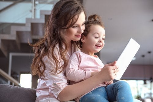 Educar a los niños en el uso de Internet es primordial en esta era digital.