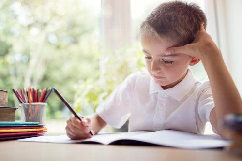Entre los trastornos de aprendizaje y desarrollo más comunes en la edad temprana en los niños está el llamado DSA