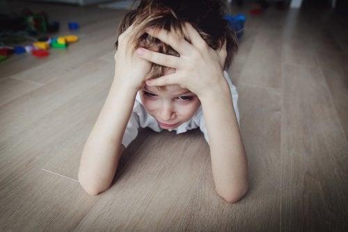 No se deben recargar las agendas de los pequeños y hay que educar a los niños sin estrés.