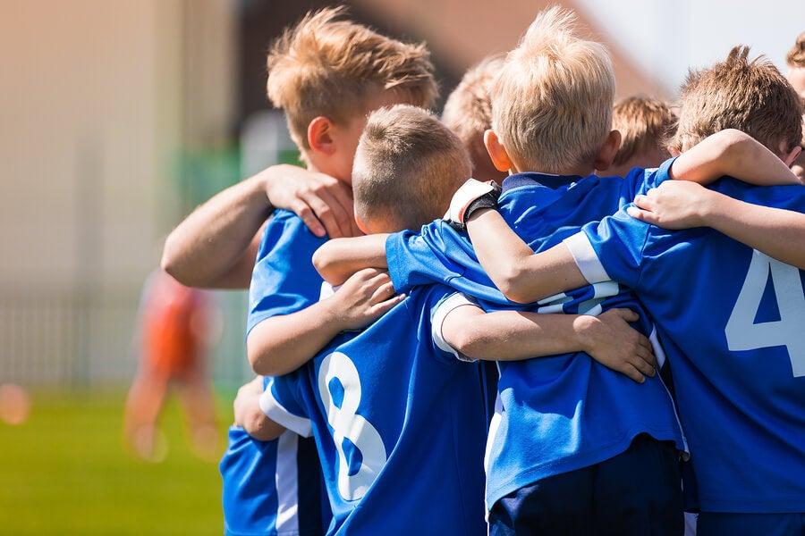 Beneficios de realizar deporte en verano junto a niños con discapacidad