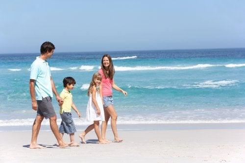 Las vacaciones en familia deben incluir planes para el disfrute de todos.