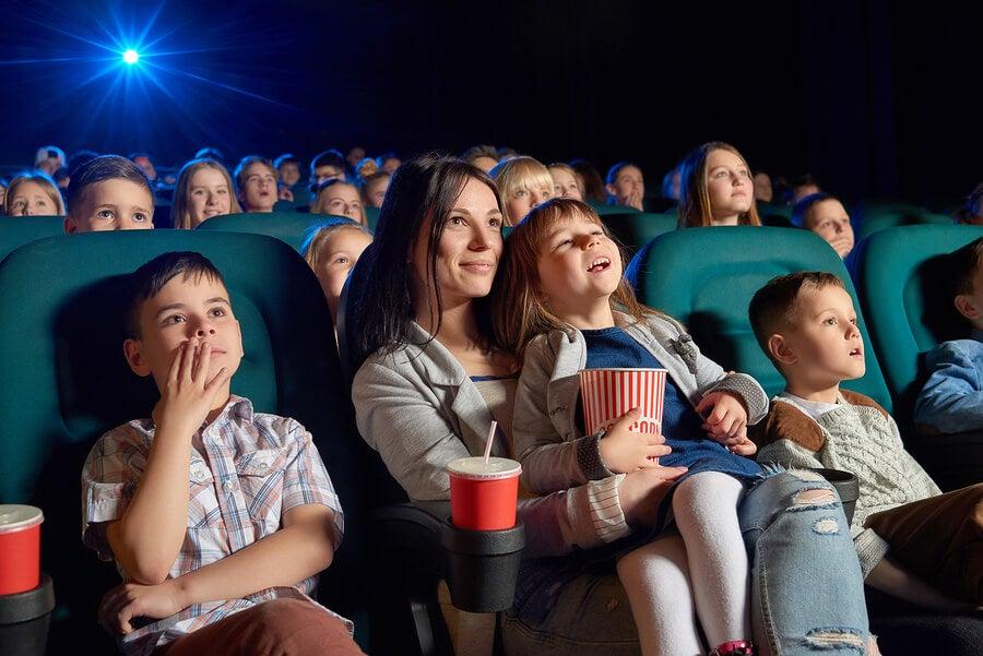 Beneficios del cine para los niños: películas recomendadas