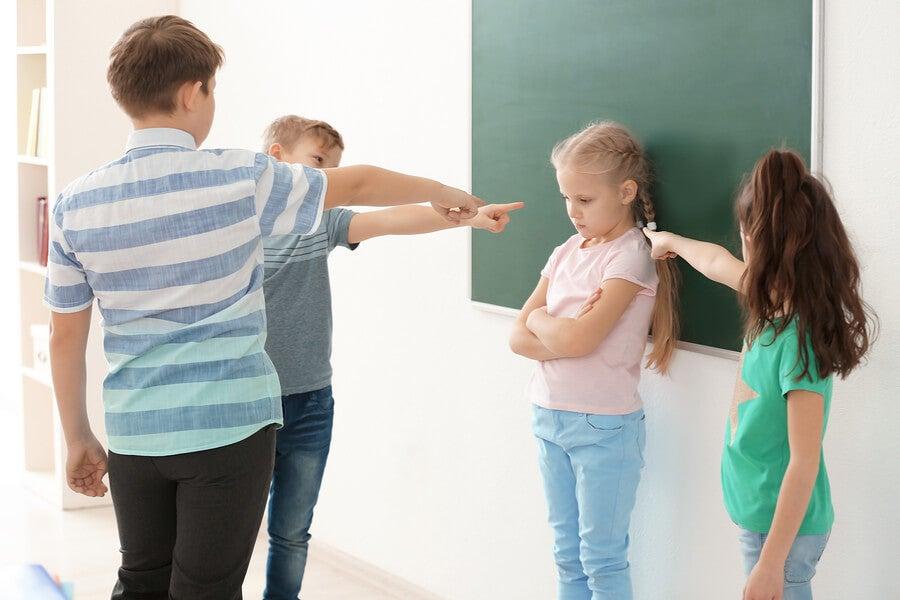 ¿Cómo influyen los complejos en la infancia? Aprende a combatirlos