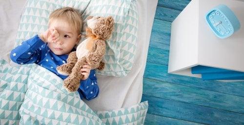 Mi hijo no quiere dormir solo, ¿qué hago?