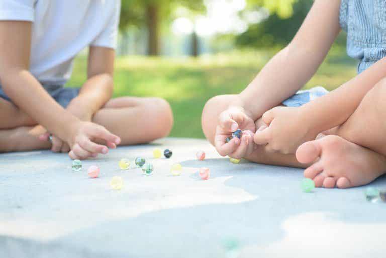 5 juguetes para niños de 5 años que contribuirán a su desarrollo social