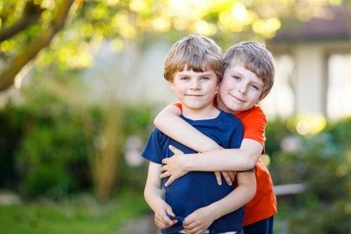 Cómo fomentar la amistad en clase: consejos y beneficios