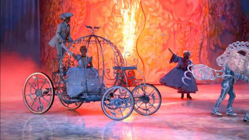 Disney On Ice también se suma a la celebración de los 90 años con Mickey Mouse.