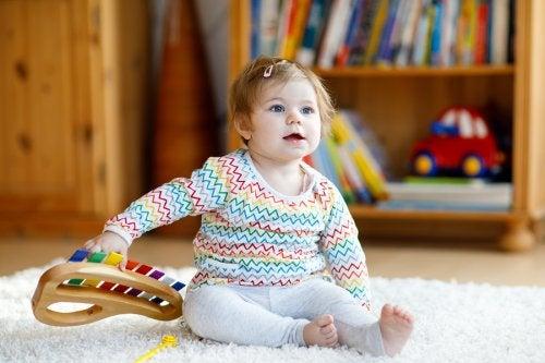 Juguetes con música para niños y sus ventajas