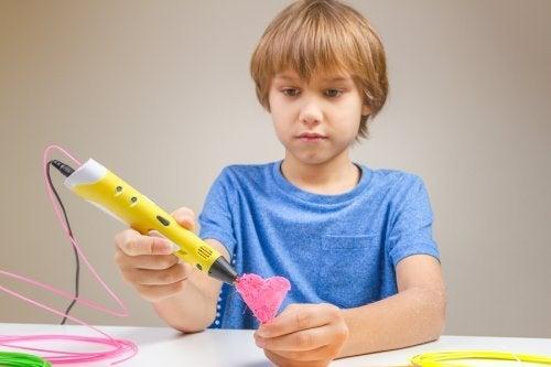 El aprendizaje de cosas nuevas es un método para enseñar a los niños a tener amor propio.