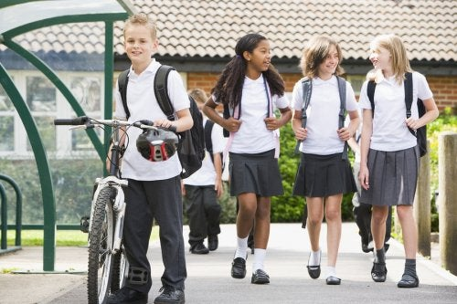 Ventajas y desventajas del uniforme escolar