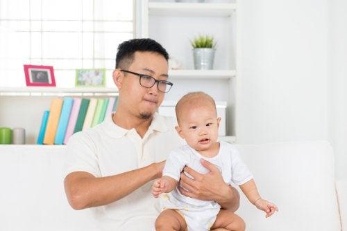 ¿Qué es el reflujo gastroesofágico en bebés?