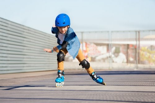 Fomentar el deporte en niños ayuda a que estén más activos y, a la larga, disminuya la falta de energía.