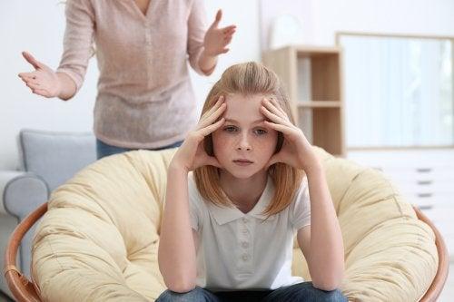 ¿Cómo enfrentar la edad del pavo de tu hijo adolescente?