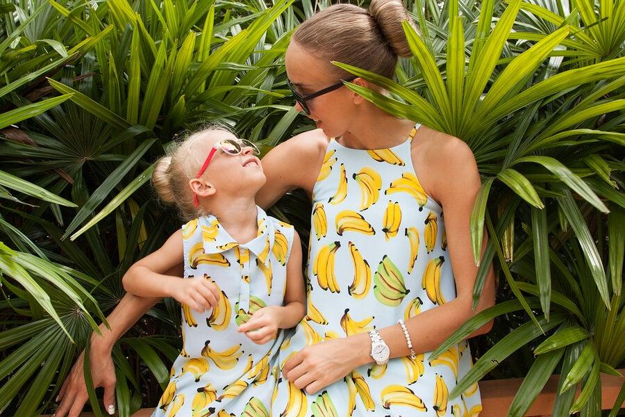 La nueva moda: vestir a los hijos igual que a los padres