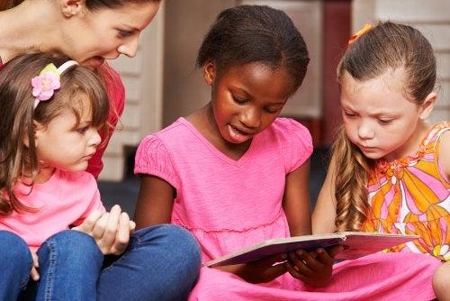 El método silábico, una forma de enseñar a leer y escribir.