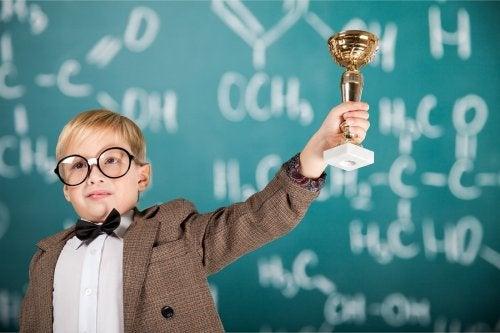 ¿Se deben premiar las notas de los niños?