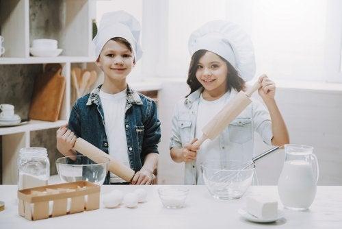 4 maneras de ayudar a los niños a hacer amigos